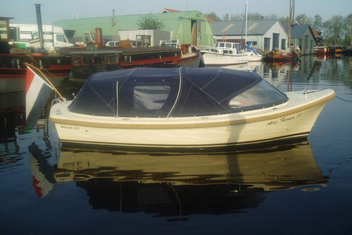 Maril 570 mit längere Zelt